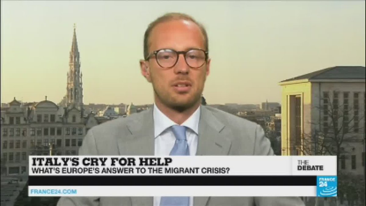 "?? Migrant Crisis: ""Money is not enough... Macron has left Italy all alone"""