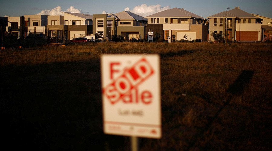 Chinese purchase billions of dollars' worth of real estate in Australia annually