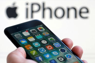 The rumored new iPhone screen could be an Apple game-changer