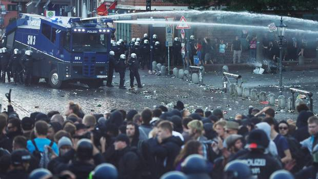 On eve of G20 summit, protesters clash with police in Hamburg, Germany From @pwaldieGLOBE