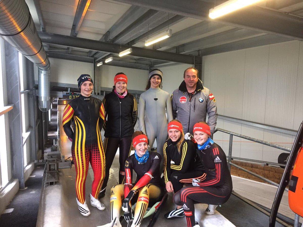 BSD Rennrodel Junioren beim Eisstart-Lehrgang in Oberhof #JuniorLuge #LugeLove https://t.co/OtCdCwOEFw