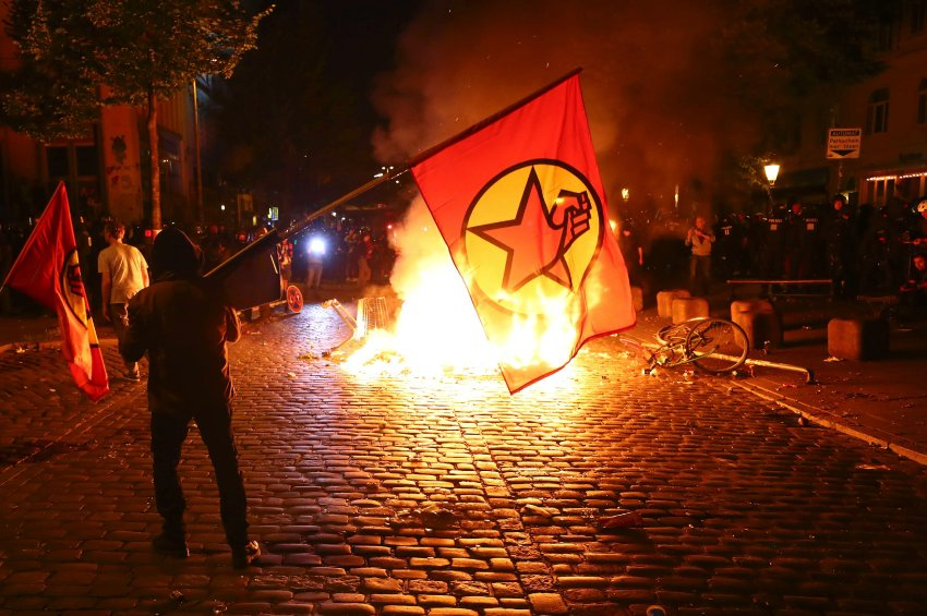 +++ G-20 Newsblog in English +++: Protests Turn Violent at Summit in Germany