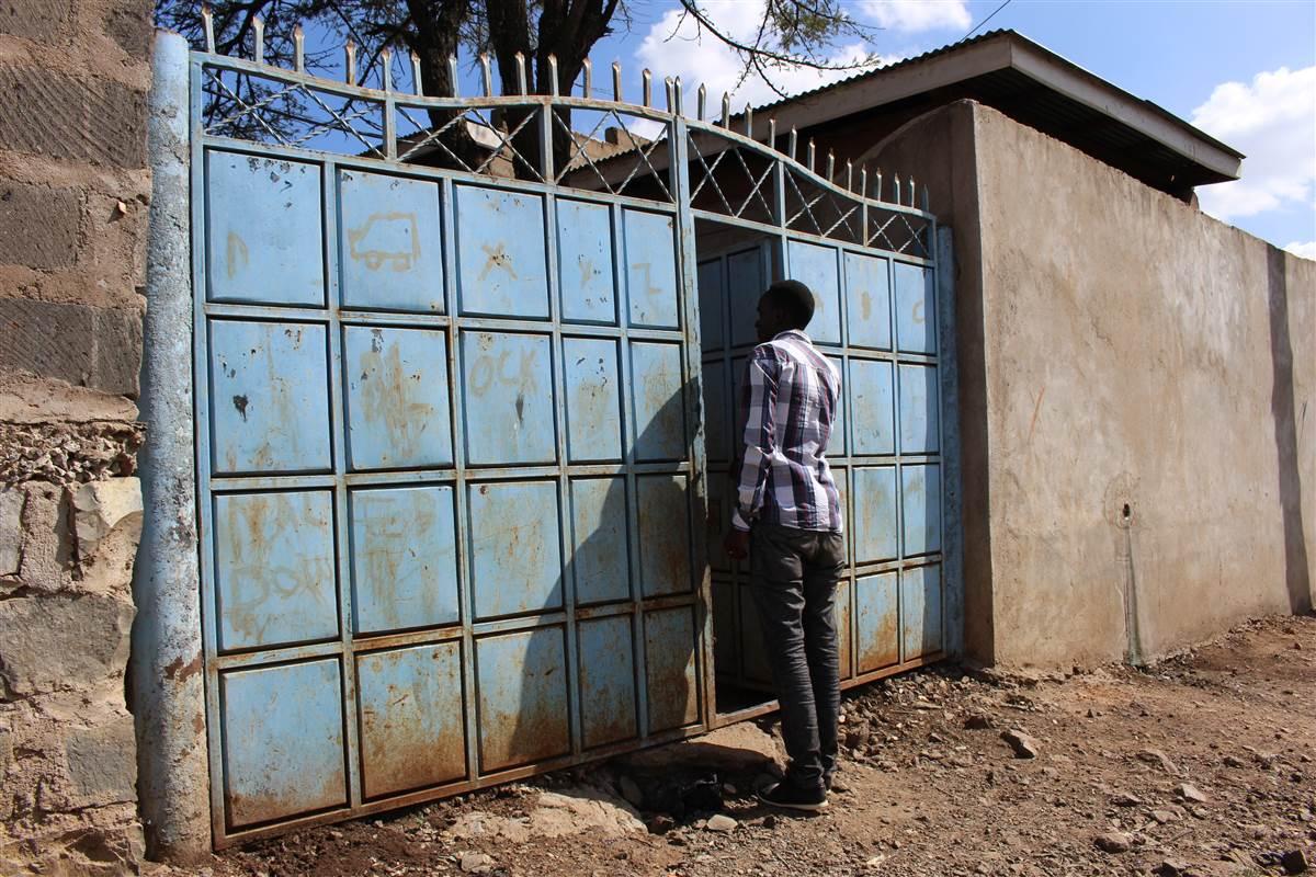 Seeking refuge in Kenya, LGBTQ Ugandans find themselves in limbo via @nbcout