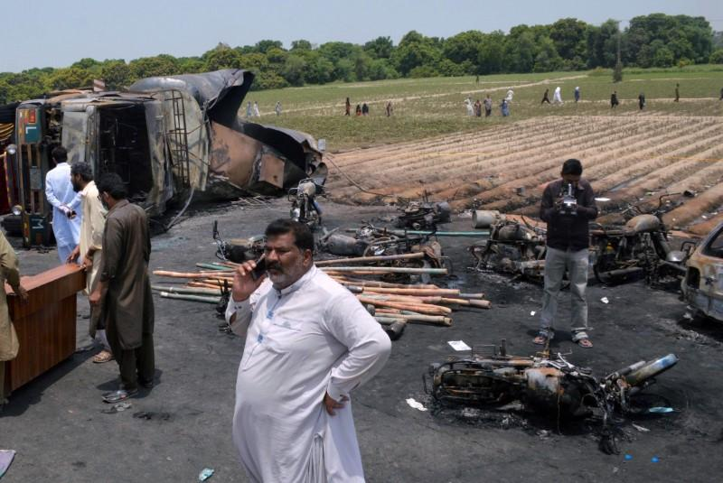 Pakistan orders Shell subsidiary to pay $2.4 million for tanker blast