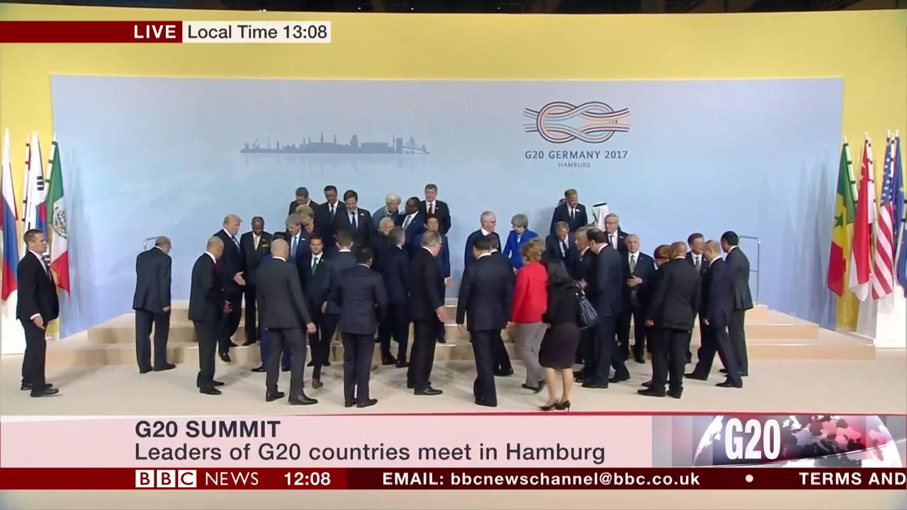 World leaders assemble for 'family photo' at G20 summit https://t.co/282BiKLg4m https://t.co/ysQlXWOtY4
