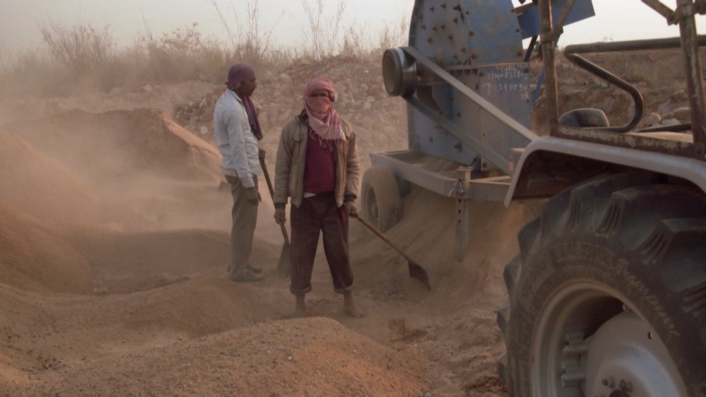 In India sand is now almost as valuable as gold via @AJ101East