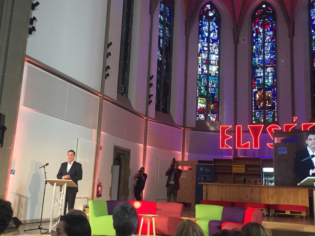 test Twitter Media - Yeah. #DigitalHubAachen Eröffnung. Wir wollen die Zukunft in Aachen erfinden @Ogruen https://t.co/qZVpFgekLz