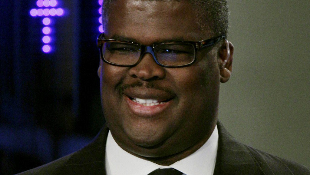 Fox Business host Charles Payne suspended amid sex harassment probe