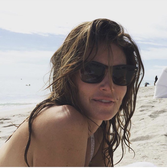 @cindycrawford: RT @MeaningfulBty: Saturdays, sand and lots of SPF. ??  https://t.co/9xBMEAtD3n https://t.co/MfjnAprSaf