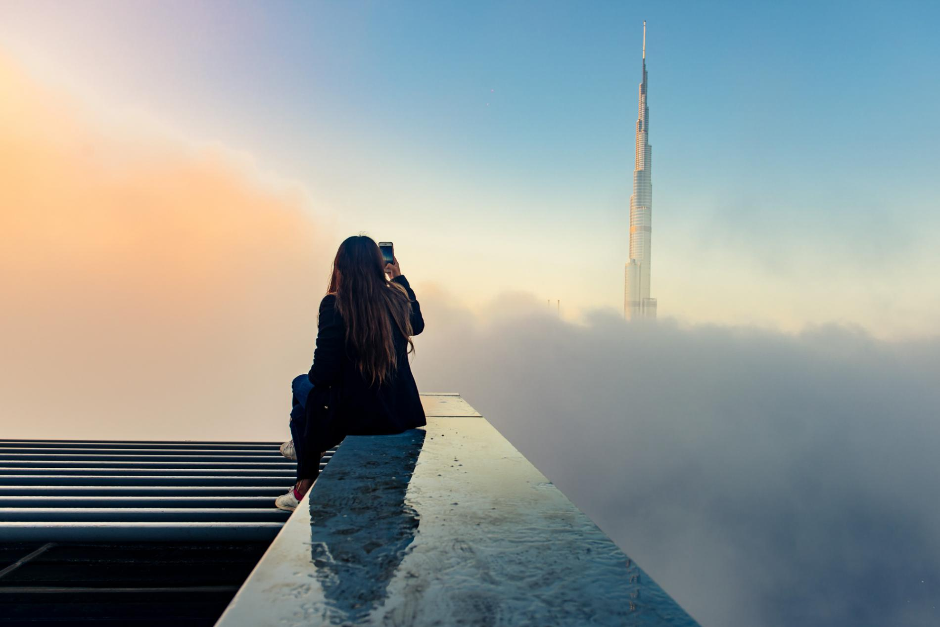 #PhotoduJour Depuis 2008, la tour Burj Khalifa domine Dubaï du haut de ses 829 mètres.  Photo: ©Harsha Pandav, National Geographic Your Shot https://t.co/IDkG9TACGQ