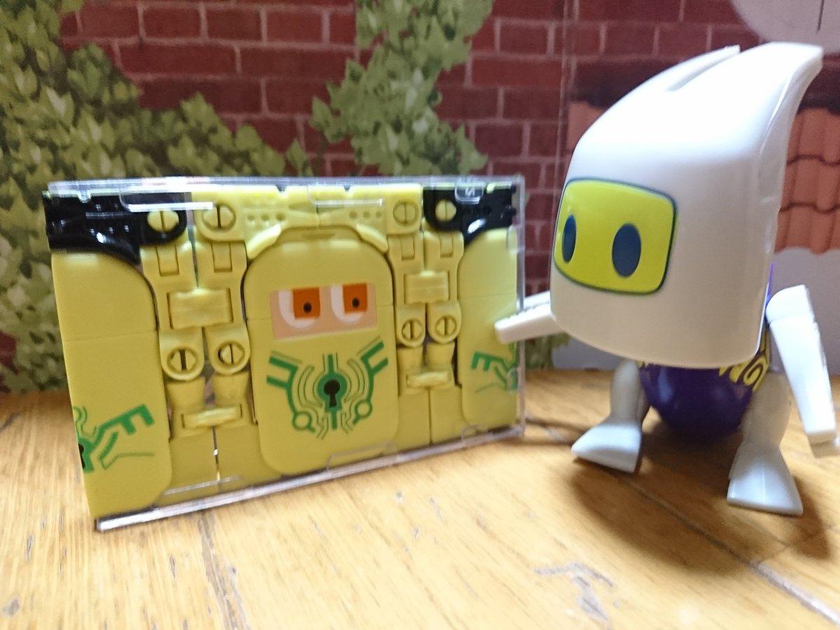 #カミワザワンダ オリガワルのカギミン。オリガワルは他にも2つくらい持ってますが傑作玩具ですねぇ。カード(平面)からパタ