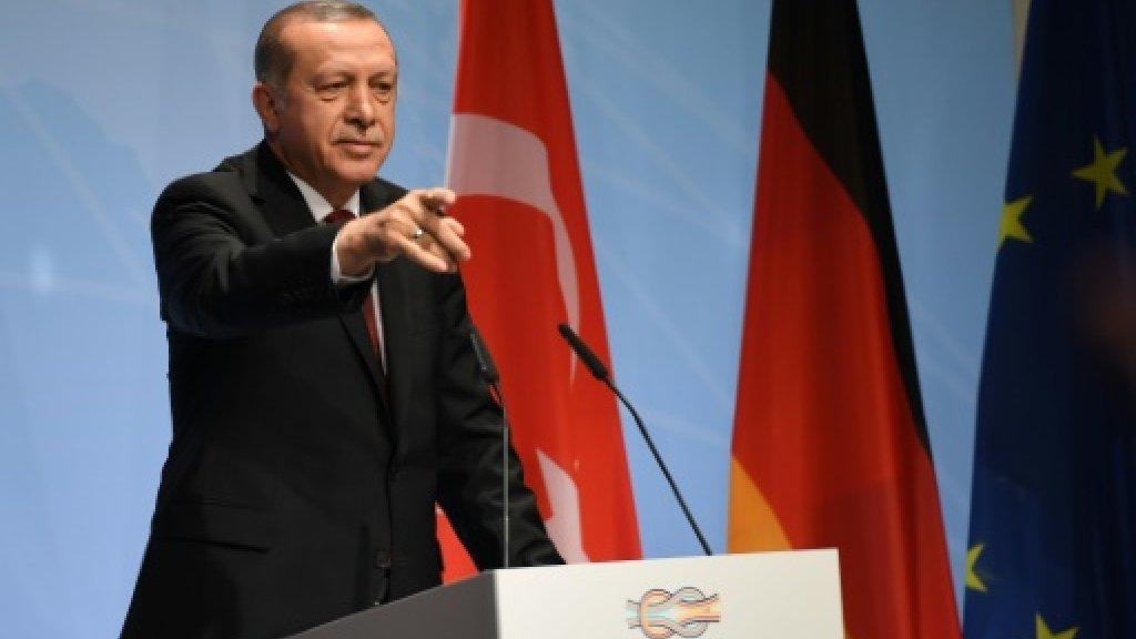 Erdogan warns Syrian Kurds of Turkey's right to defence