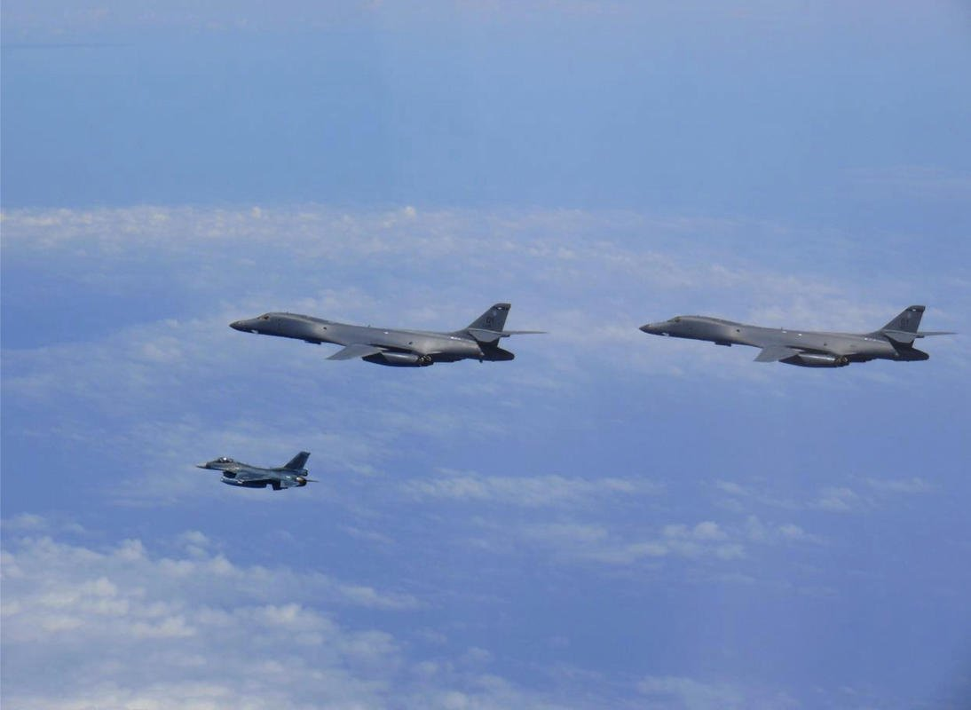 U.S. bombers fly in for show  of 'lethal' force over S. Korea