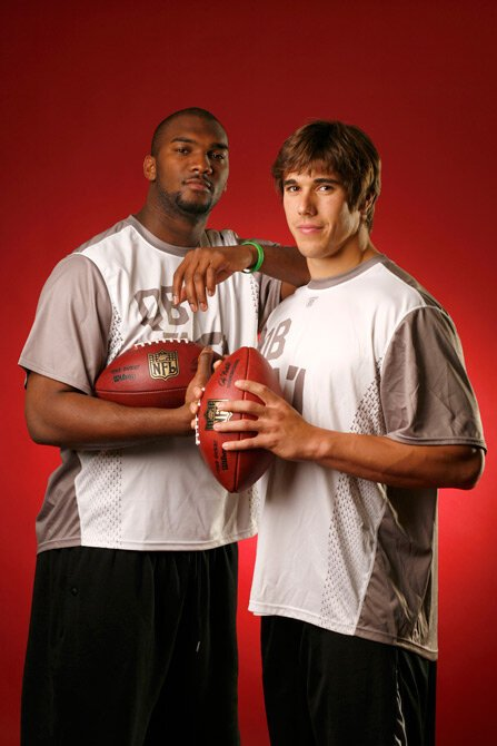 JaMarcus Russell and Brady Quinn pose at the 2007 NFL Scouting Combine: https://t.co/pojFTor0Bg