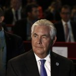 US Secretary of State Rex Tillerson flies to Gulf for talks on Qatar crisis