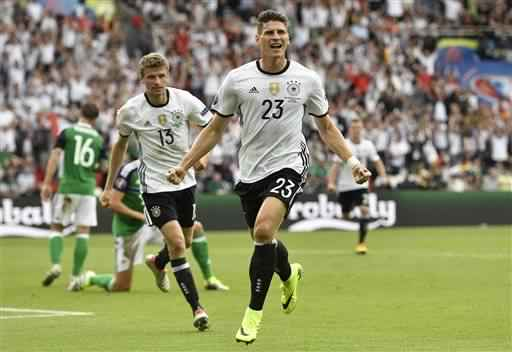 Happy birthday to Wolfsburg and Germany striker Mario Gomez, 32 years old today!