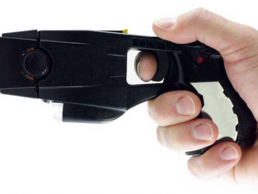 Police say Missouri man used stun gun on wife's 3 toddlers