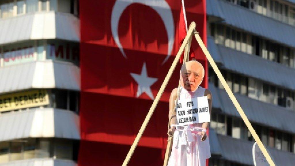 Turkey detains 42 university staff over alleged Gulen links
