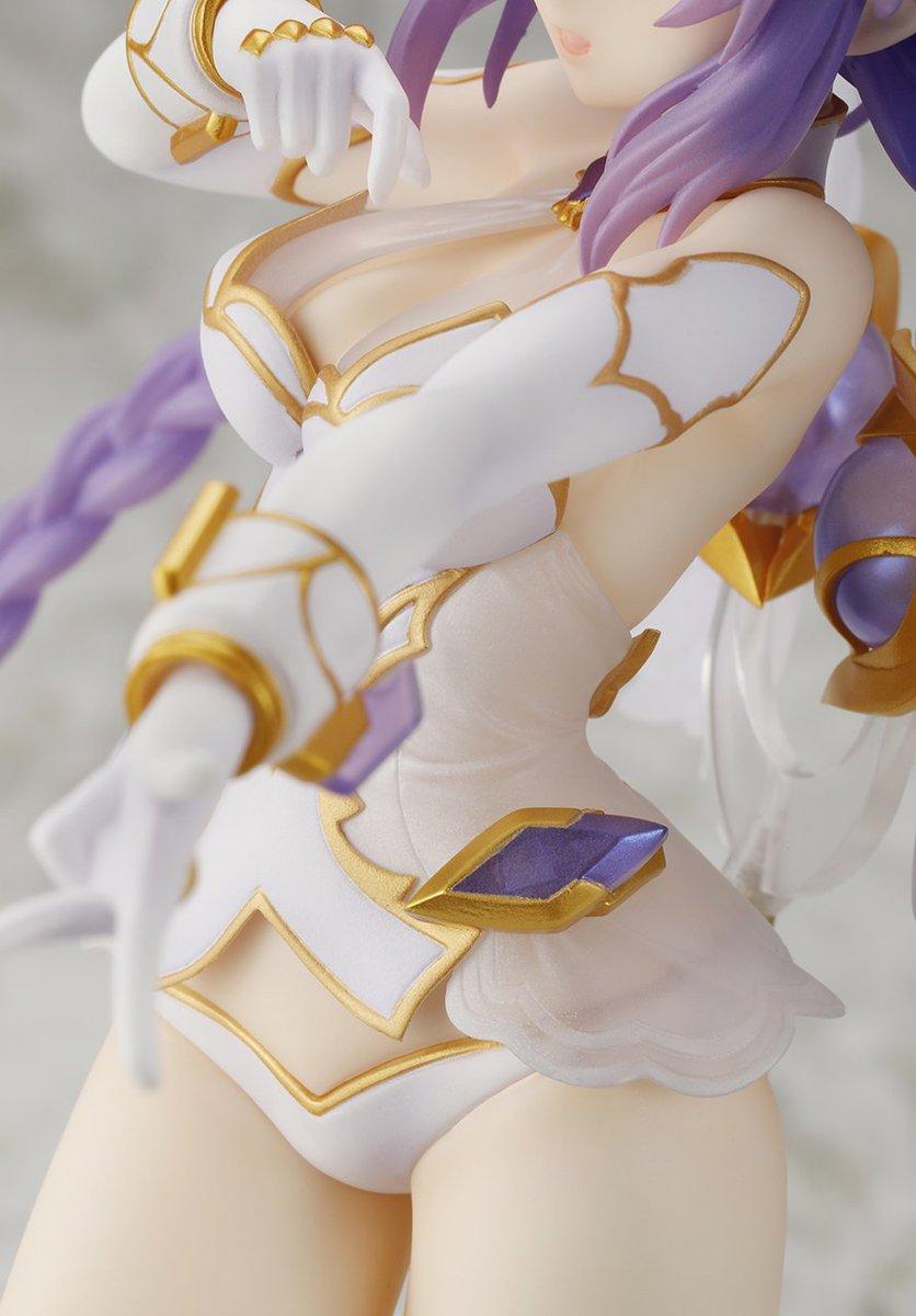 【女神光臨!】『四女神オンライン』パープルハート1/7フィギュアの特設サイトでは、いろいろな角度からの写真が掲載されてい