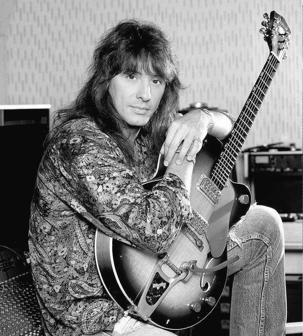 Happy  birthday  richie  sambora.      please  come  back  to  japan.
