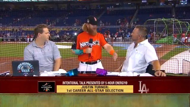 We last saw our friend @redturn2 at the #ASG... Now, he's an #NLCS MVP! #ITMojo https://t.co/jpuTHvNUC6