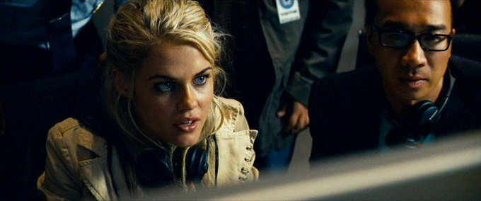New happy birthday shot What movie is it? 5 min to answer! (5 points) [Rachael Taylor, 33]