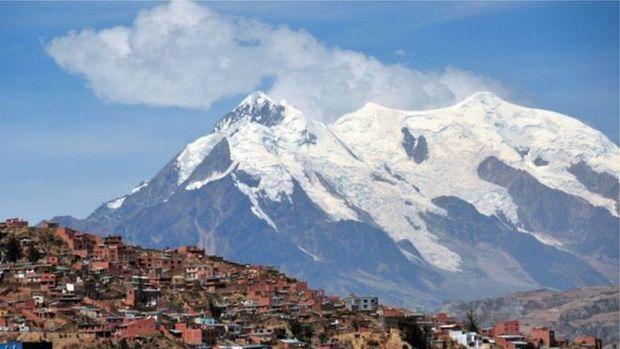 Por que cientistas estão levando pedaços de uma geleira da Bolívia para a Antártida