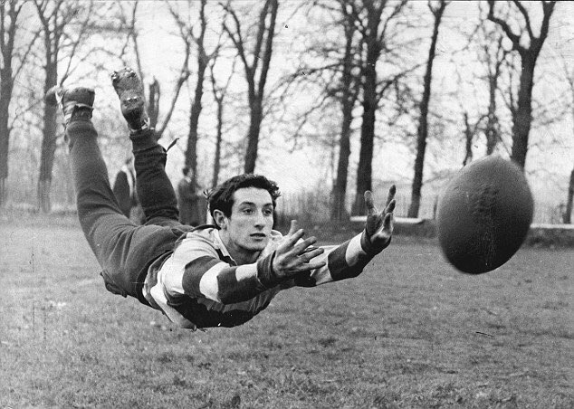 Cardiff Blues Community wish Sir Gareth Edwards a Happy 70th Birthday!