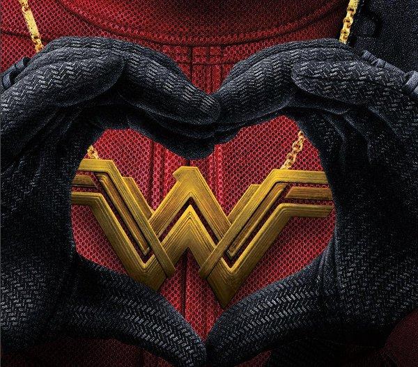 Ryan Reynolds has the best response to Wonder Woman beating Deadpool: