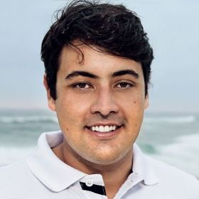 Bruno De Luca. Foto do site da BN Holofote que mostra Bruno de Luca é condenado a pagar R$ 15 mil por agredir uma recepcionista de hotel