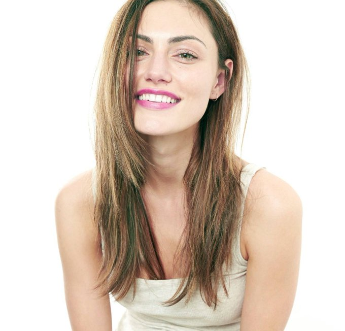 Happy Birthday to the stunning and talented Phoebe Tonkin.