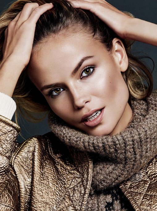Happy birthday to this stunning russian bombshell and high fashion queen. Natasha Poly never ages.