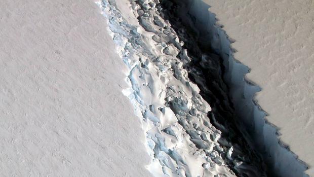 One trillion tonne iceberg breaks off from Antarctica