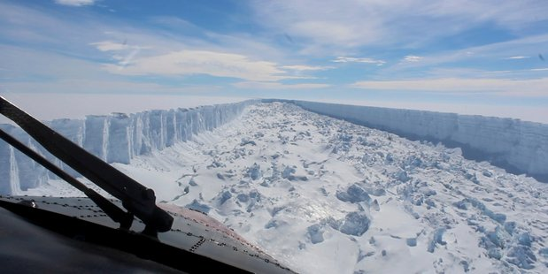 An iceberg six times the size of Auckland city breaks off Antarctica