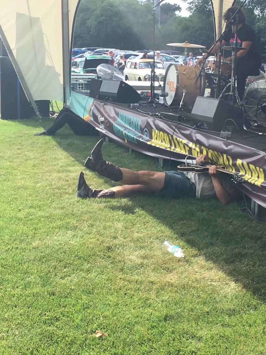 #Jamming so hard the band's on the floor. @4otf #SummerofLove https://t.co/ZJPsFIPojI