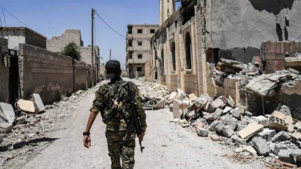 US troops inside Raqa, IS Syria stronghold: official