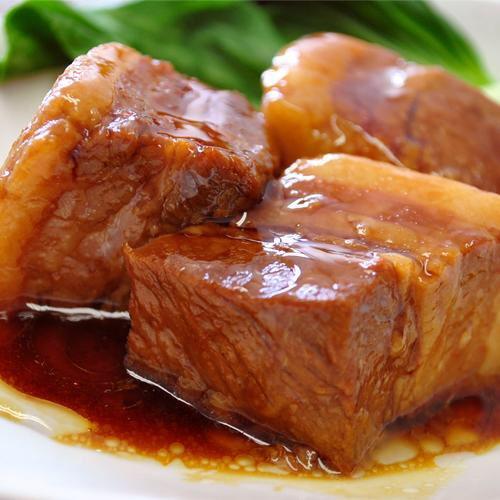 とろっとろな豚角煮も良いですねー。焼酎ロックか。苦手やけど合うのだろうなー。昼間っから呑みてー。#ワカコ酒