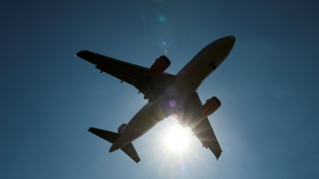 Spain's party islands ask EU to ban booze on flights