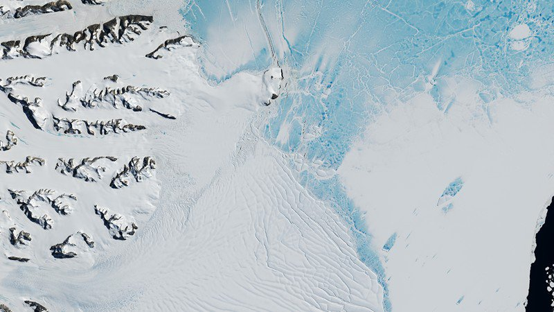 'Behemoth' iceberg officially breaks from Antarctica's Larsen C ice shelf — 7 things to know