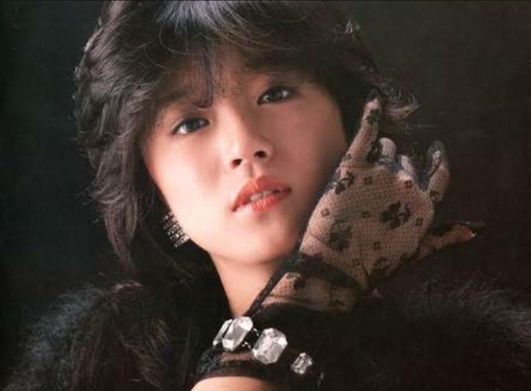 今日のFMおだわらまいのアイドルメモリーズ今日がお誕生日の中森明菜さん特集アルバム曲は聴いたことなかったですが素敵な曲た