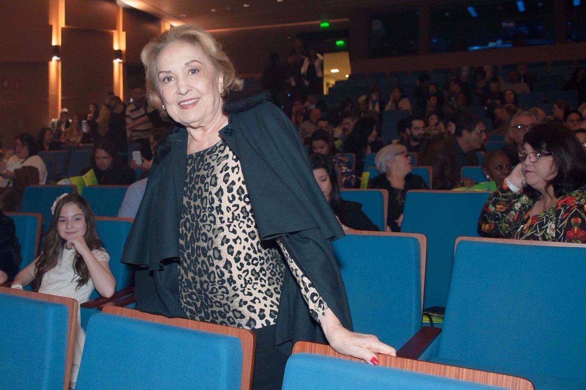 Eva Wilma. Foto do site da Contigo que mostra Eva Wilma é a estrela do Prêmio Aplauso Brasil