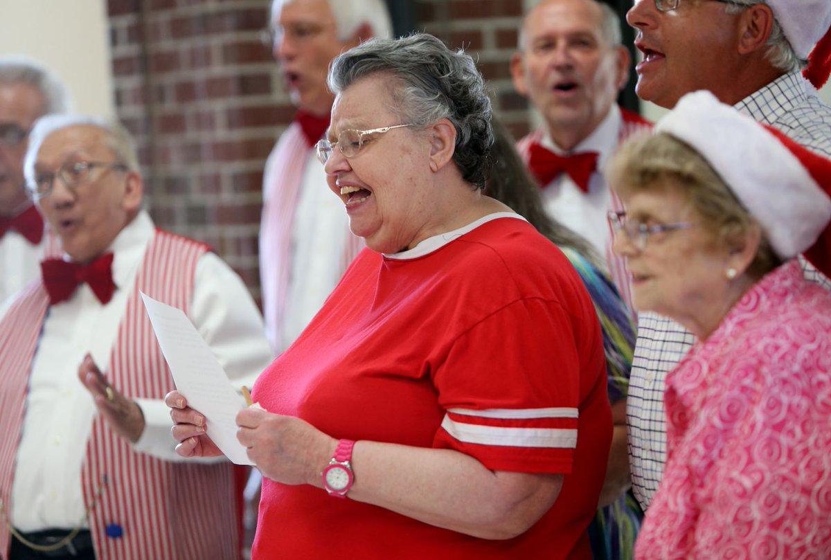 Billings seniors treated to Christmas in July