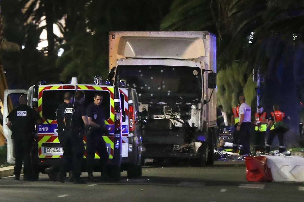French prosecutor calls for Paris Match to be banned over Bastille Day attack images
