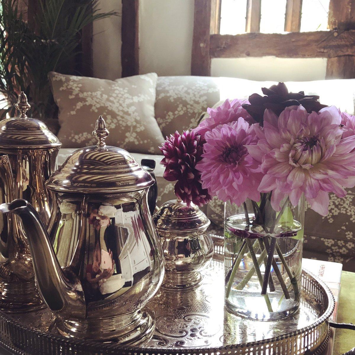 Fresh Dahlias From My Garden ???? https://t.co/vlfMImmhqr