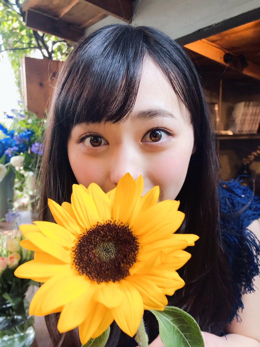 【女優】橋本環奈、ショーパン姿で太ももあらわなセクシーショット披露「可愛すぎて、悶絶」絶賛の声★2 ->画像>66枚