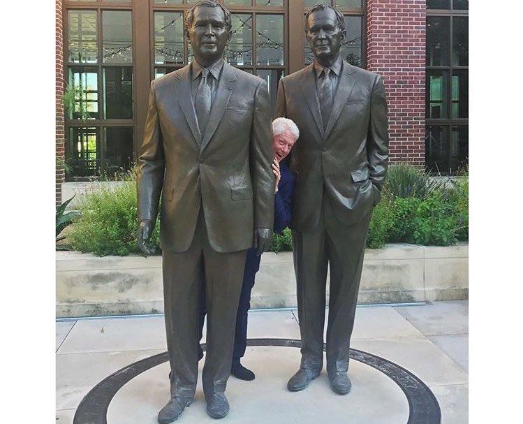 President Clinton at the George W. Bush Library tonight. https://t.co/YcgCBoN3Ys