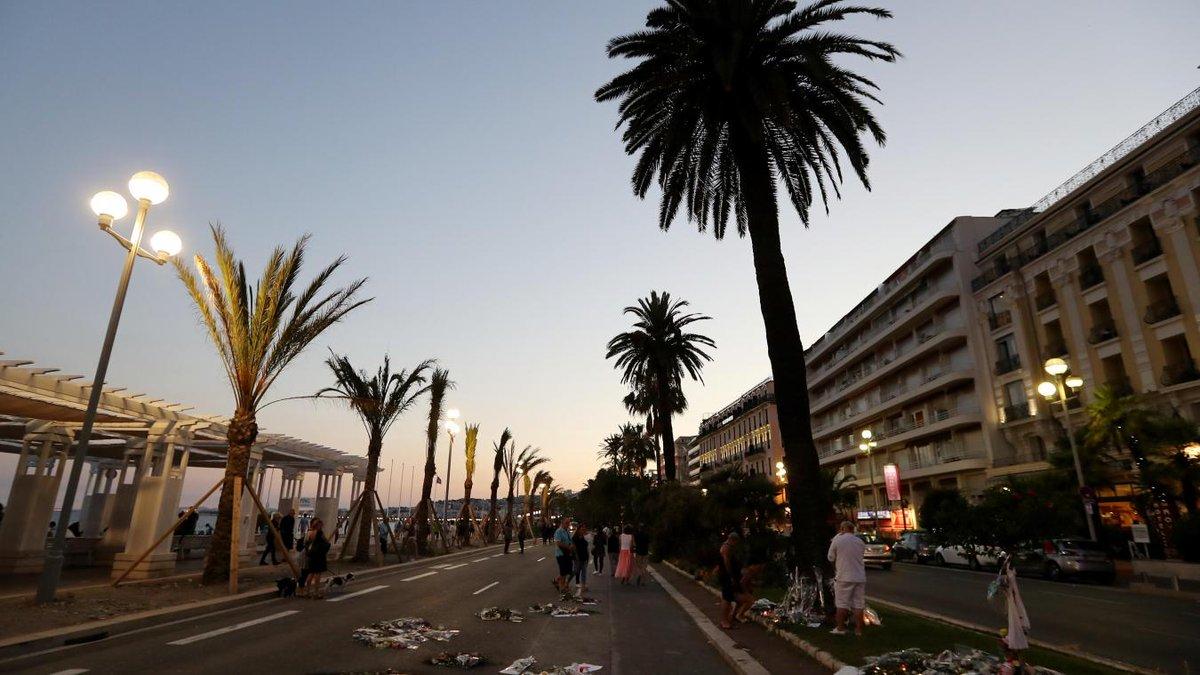 #promenadedesanglais
