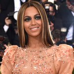 The first pic of Beyoncé's twins is here!