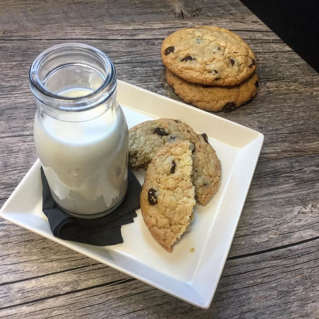 test Twitter Media - Good old fashioned #milkandcookies https://t.co/TB53F63UZW https://t.co/V0TxN8xPcT