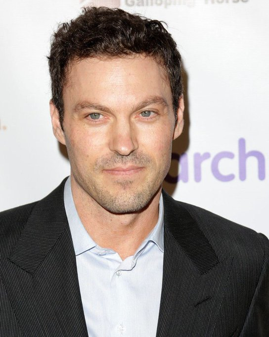 HAPPY BIRTHDAY BRIAN AUSTIN GREEN! Turns 44 today.
